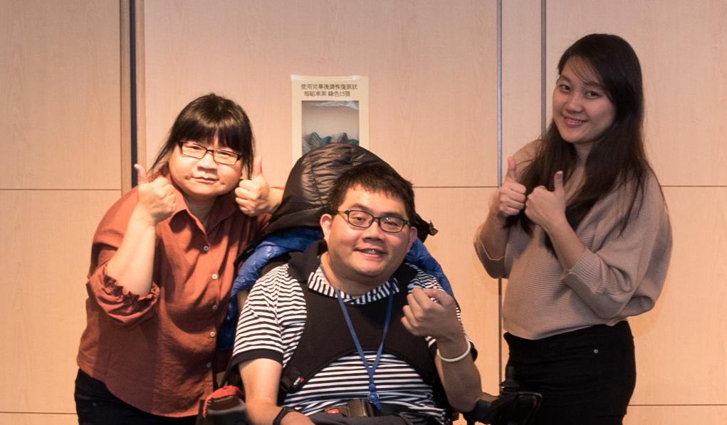 神隊友涵婷&IRIS和胖子合照